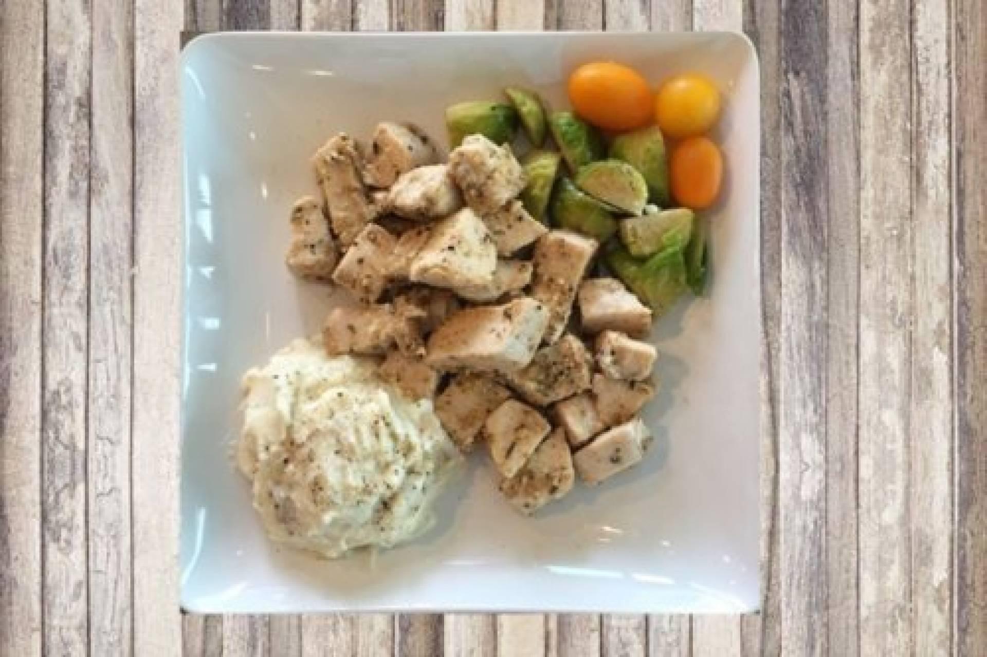 KETO Garlic and Herb Chicken with Cauliflower Mash